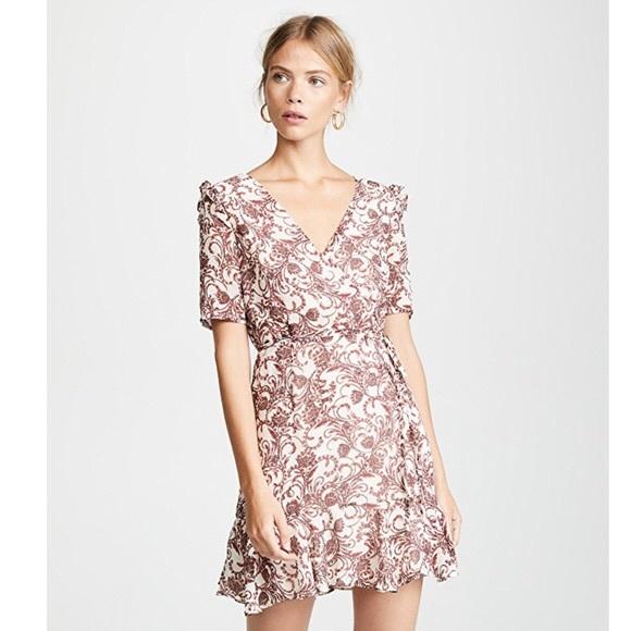 BB Dakota Dresses & Skirts - BB Dakota Twirl Wrap Style Dress